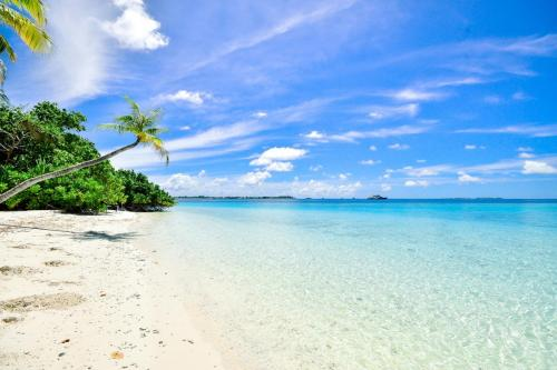 beach calm clouds 457882 - Home